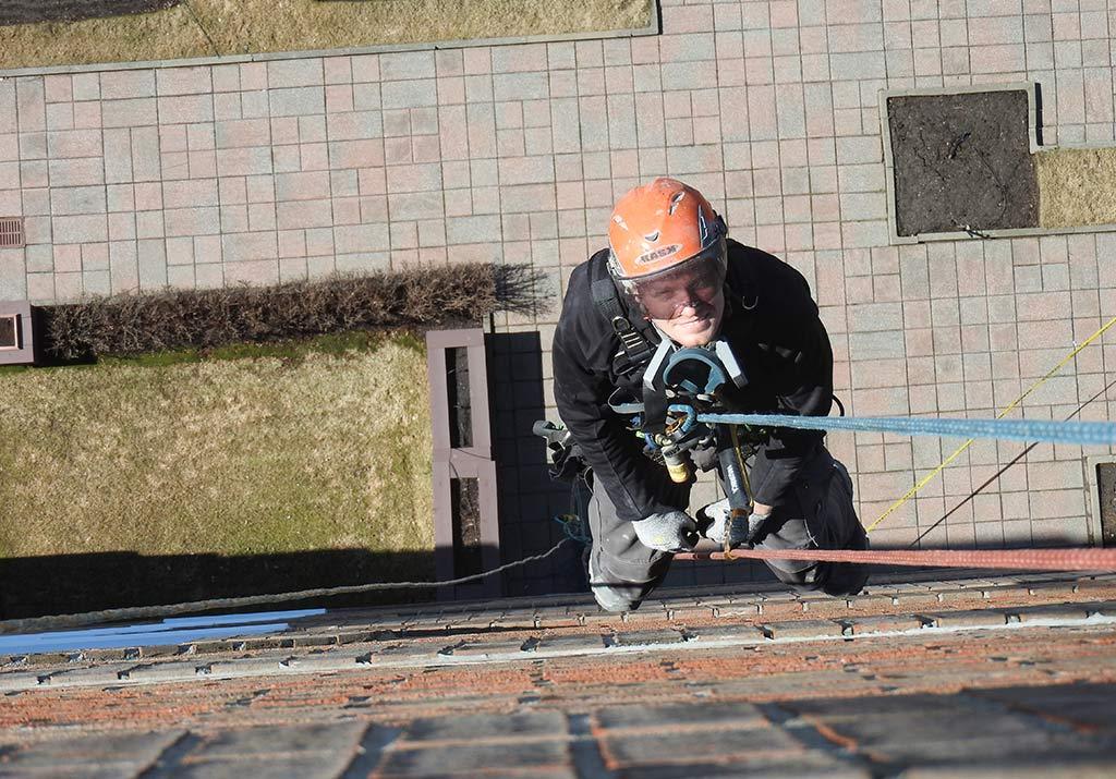 Réparation de maçonnerie sur cordes 4